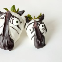 Easy Chocolate Covered Strawberry Zebras