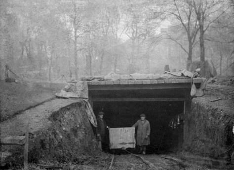 The Victoria Tunnel in 1842