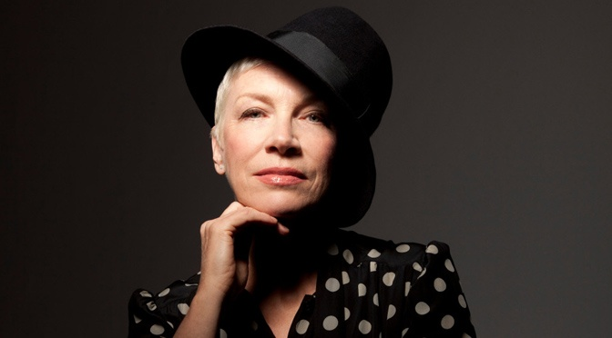 Annie Lennox sings I Put a Spell on You live