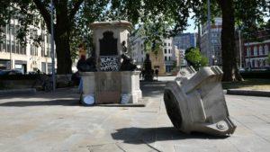 A Derrubada, A Perspectiva E O Antirracismo: Sobre Monumentos Caídos