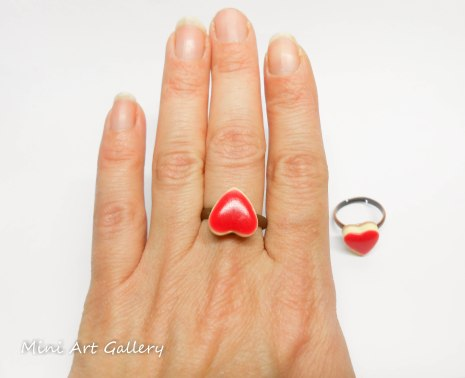 Cheesecake heart ring / mini foodie charm / miniature food jewelry / red heart ring