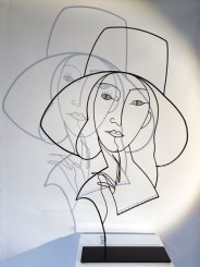 Range of Arts - Wire Sculpture - Laure Simoneau - La dame au chapeau