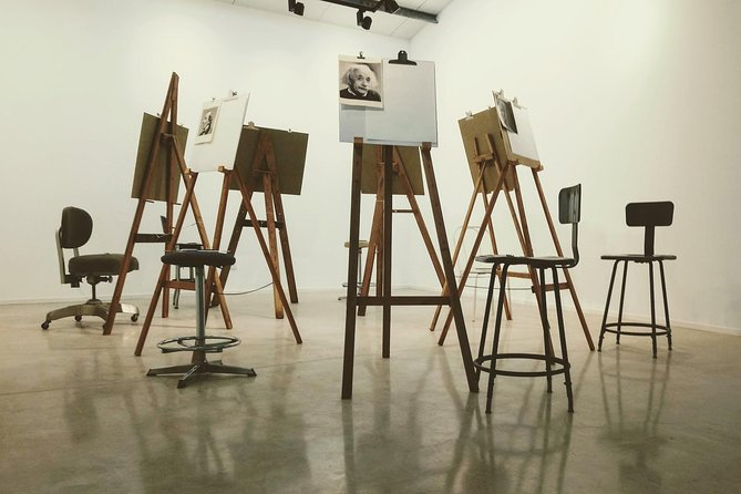 Wednesday night drink and draw art classes and workshops in Ramot Naftali, Northern Israel