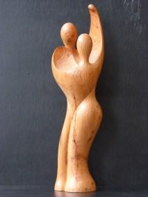 les danseurs bois d'if hauteur 53 cm x 12cm x 12cm. Prix 690 €