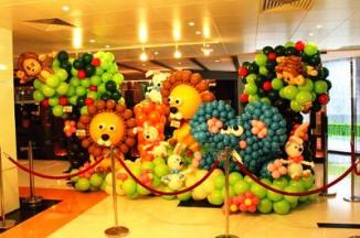 Balloon backdrop decoration (3)