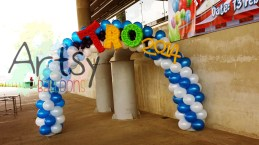 completed balloon arch for TRO