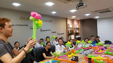 , Balloon courses and workshops, Singapore Balloon Decoration Services - Balloon Workshop and Balloon Sculpting