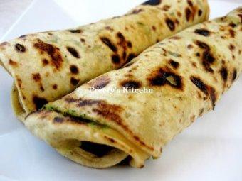 Yummy-Tummy-Wednesday- Broccoli Paratha