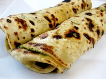 Yummy-Tummy-Wednesday- Broccoli Paratha