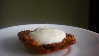 Yummy Tummy Wednesday – Oat Date Cookie Cups with Vanilla Yogurt