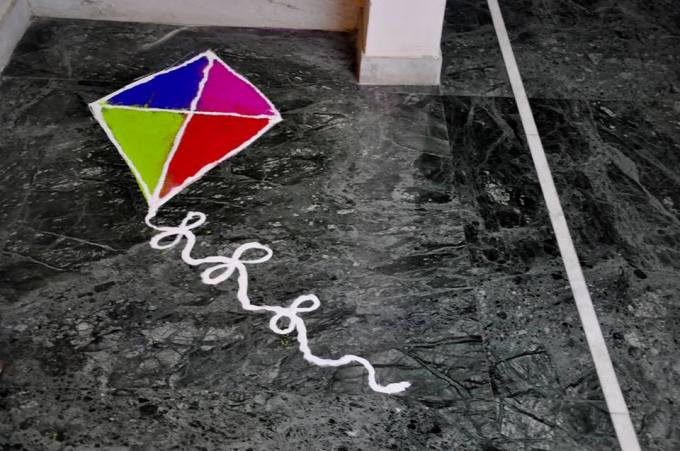 Sankranto muggulu or rangoli ideas - Ultimate guide to Sankranti Customs, Crafts & Recipe Ideas - Makar Sankranti is the Harvest festival of the Hindus. Read about the significance of Makar Sankranti, the traditions and rituals of this festival - Bornahan, Lohri. Find out why it is celebrated? the traditional recipes - Til Gul, Pongal, Kite festival, Kite crafts to keep kids involved and informed in a fun way.