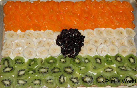 India Tri color fruit salad - 50+ Ideas for India Independence Day Party, August 15th - craft, Books, recipes & national symbol craft - Tiger, lotus, mango, banyan tree, peacock crafts