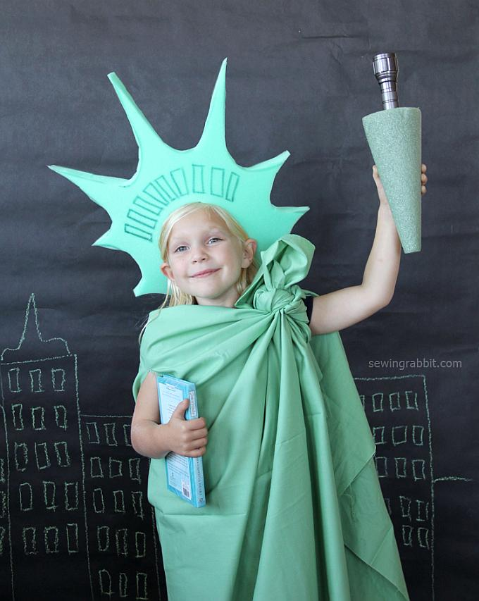 21 creative and easy last minute halloween costumes for kids diy statue of liberty halloween costume for kids try these 21 last minute halloween solutioingenieria Choice Image