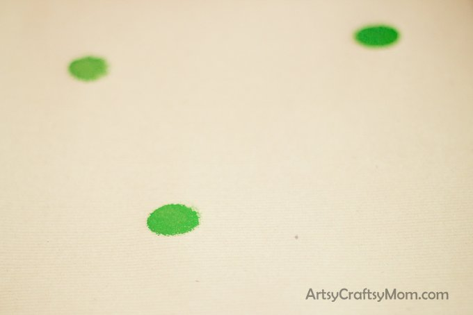 Homemade Christmas wrapping paper_-4