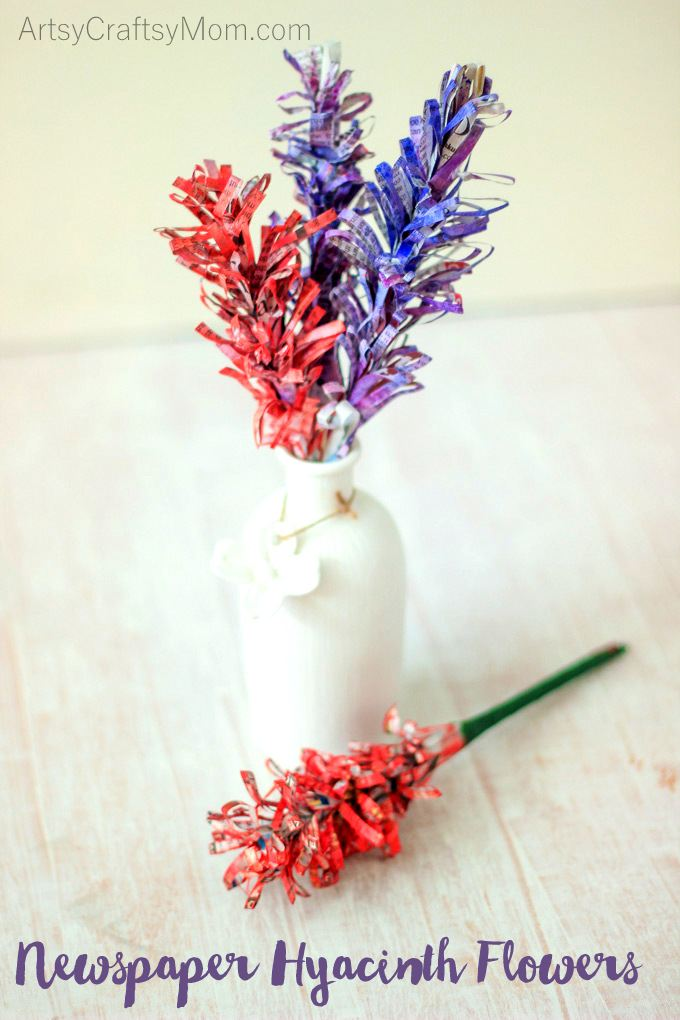 DIY Easy Newspaper Hyacinth Flowers, perfect to brighten up your home all through the year. All you need are newspapers and paints! perfect Mother's Day Craft, teacher appreciation or even earth day - best out of waste projects. Recycled newspaper DIY.