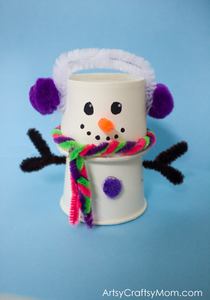 This absolutely adorable paper cup snowman craft is just what you need on your mantle to remind you of the winter and coming holiday season!