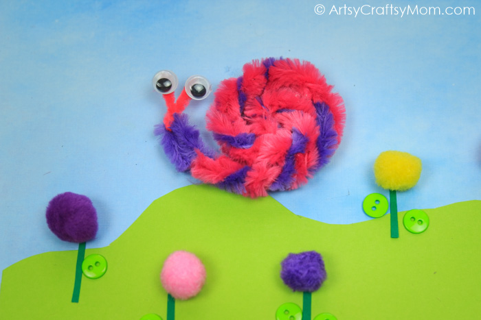 Snails aren't exactly known for their speed, but our Pipe Cleaner Snail Kids Craft is super quick and easy to make - with pipe cleaners and googly eyes!