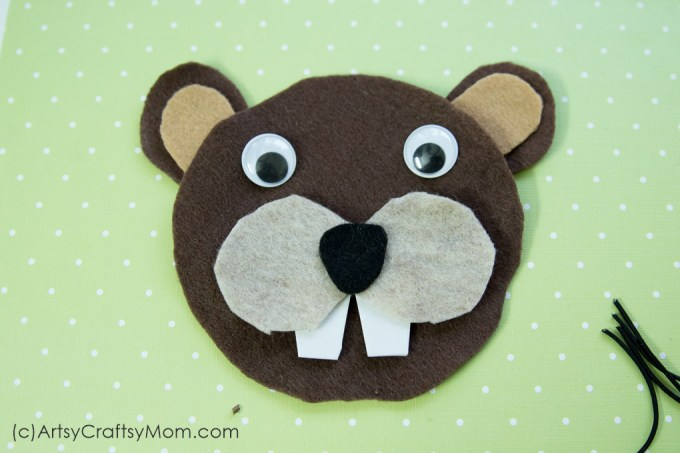 Make an adorable B for Beaver Craft with Printable Template suitable for forest animals, mammals, letter B theme, Canada Day theme or just for fun.