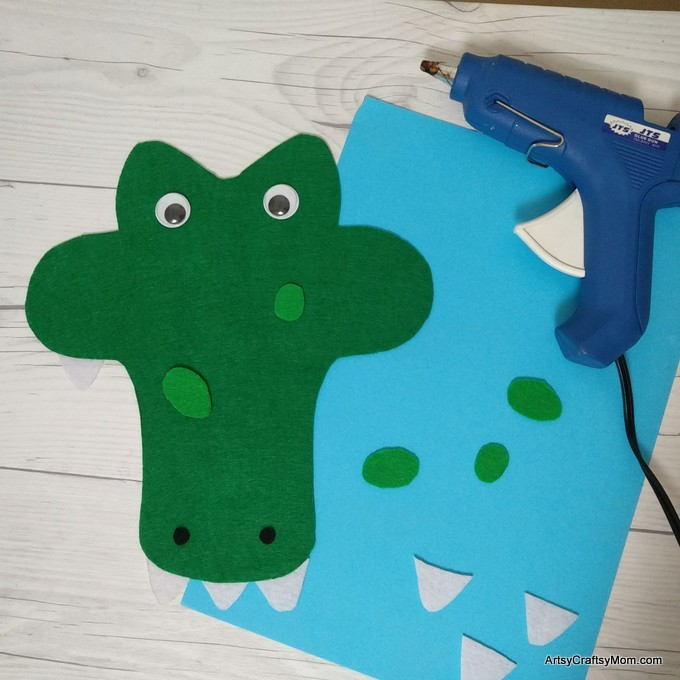 Printable Letter A for Alligator Craft perfect for Letter of the week, studying rainforest or swamps, or if you have a zoo unit coming up.