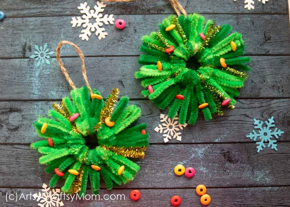 Pipe Cleaner Wreath Ornament Craft | Christmas Craft for Kids