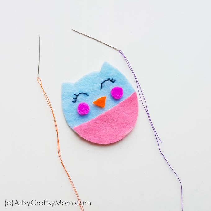 There can't be a cuter way to express your love than with this Handmade Felt Valentine Owl!! Soft and colorful, this is the perfect Valentine's Day gift!