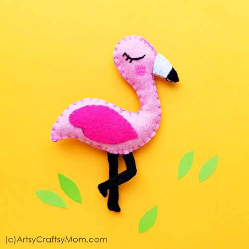 Flamingoes are all the rage, and we're getting in the trend with a DIY Felt Flamingo Plushie! Pink and soft, this will make a great gift for a flamingo fan!
