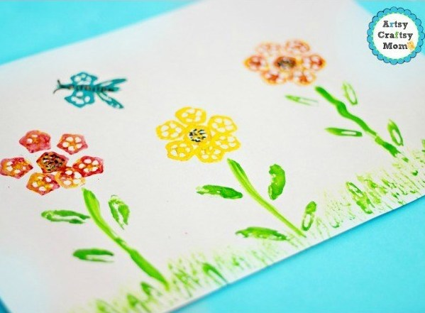 Use up your old veggies the artistic way - with our vegetable printing art projects for kids! They're simple enough for preschoolers to try at home!