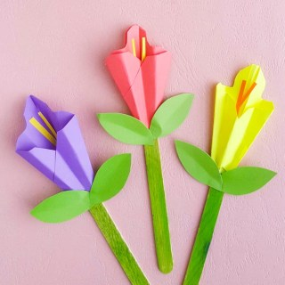 Our Paper Calla Lily Craft proves that you don't have to spring to officially arrive to start celebrating it! Gather some colored paper and get crafting!