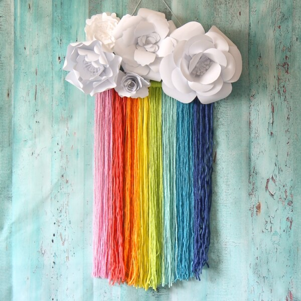 Deck up your home this season with these DIY Wall Hangings for Spring! Brighten up your walls with flowers, rainbows, birds and more!