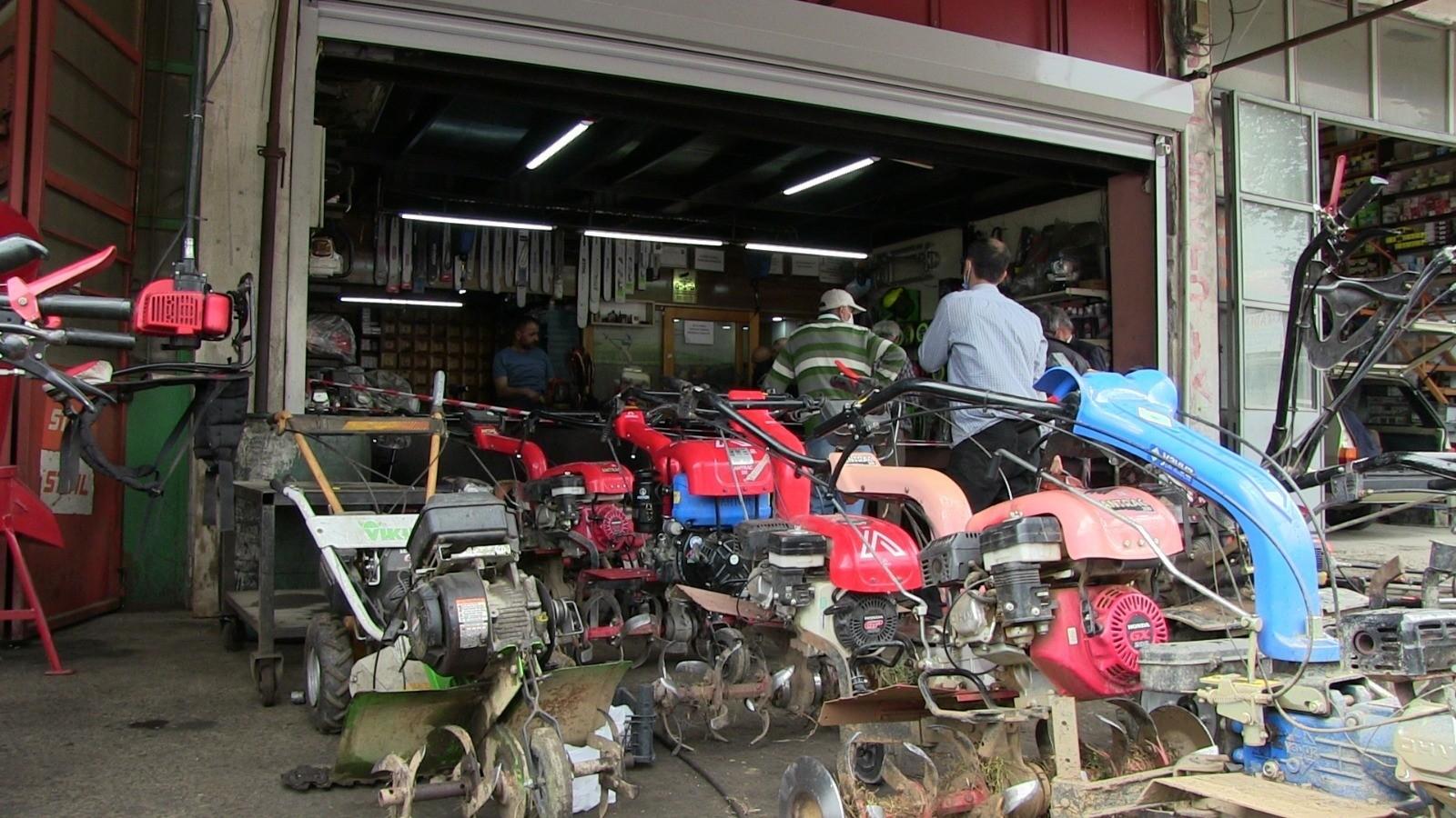 Artvin'de tam kapanma sonrası çiftçiler sanayiye akın etti