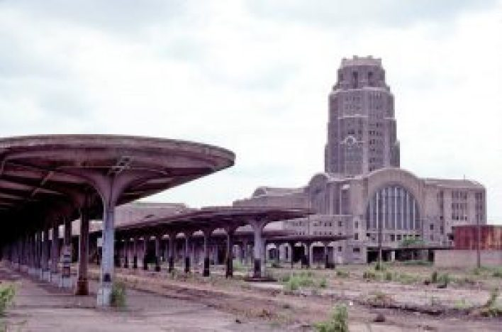 Can we return the Central Terminal and it's surrounding neighborhood to its former glory?