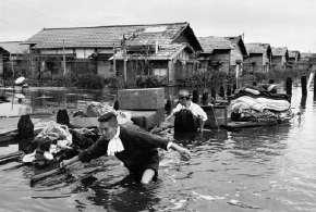 1959年9月27日 愛知. 台風15号 伊勢湾台風