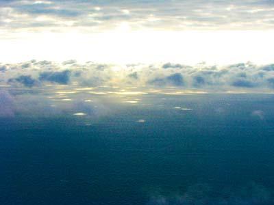 空から見た海