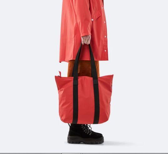 rains-sac-cabas-tote-bag-rush-rouge-artydandy-4
