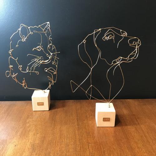 profilo-sculpture-fil-de-bronze-chat-siberien-et-braque-allemand