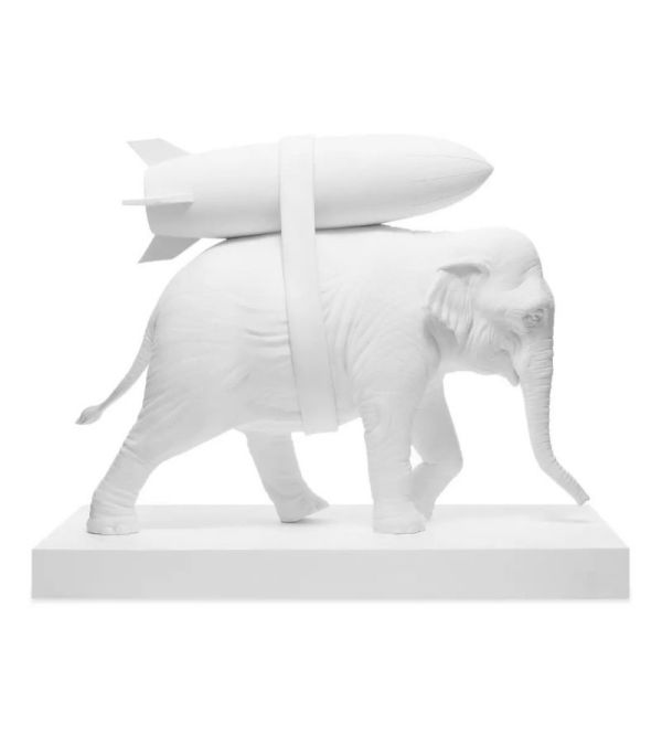 banksy-elephant-with-bomb-artydandy