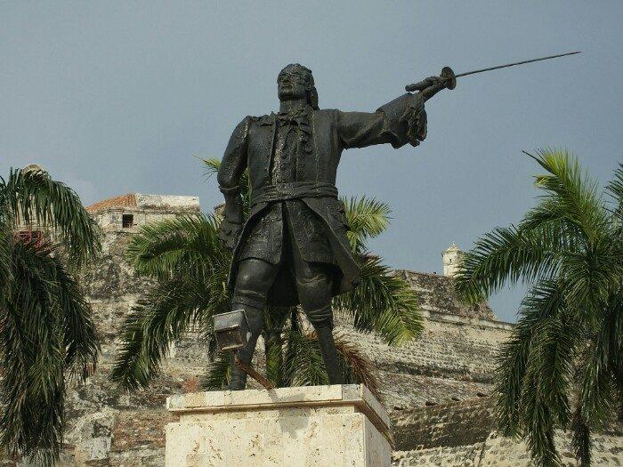 Blas Lezoren estatua, San Felipe de Barajas gotorlekuaren aurrean. Cartagena de Indias.