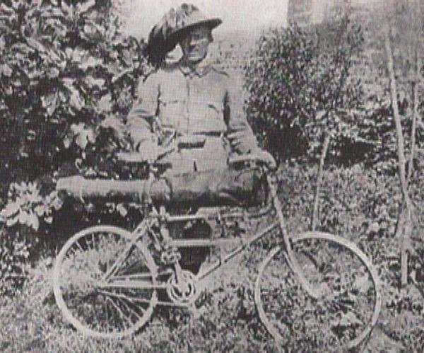 """Bersagliere ciclista"" bat, bere bizikletarekin."