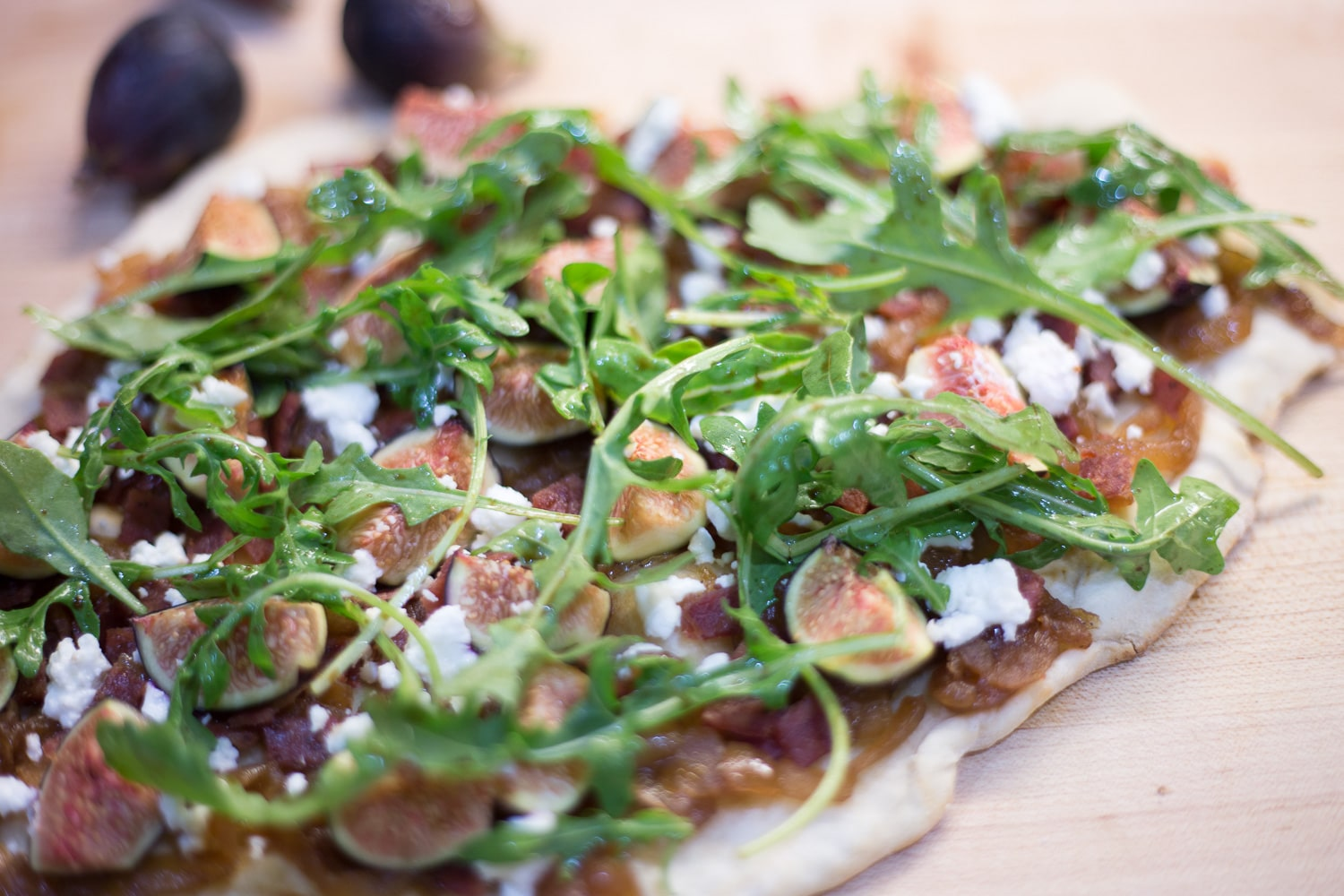 Figs will only be around for a short time. How about a fig flatbread! |artzyfoodie.com|