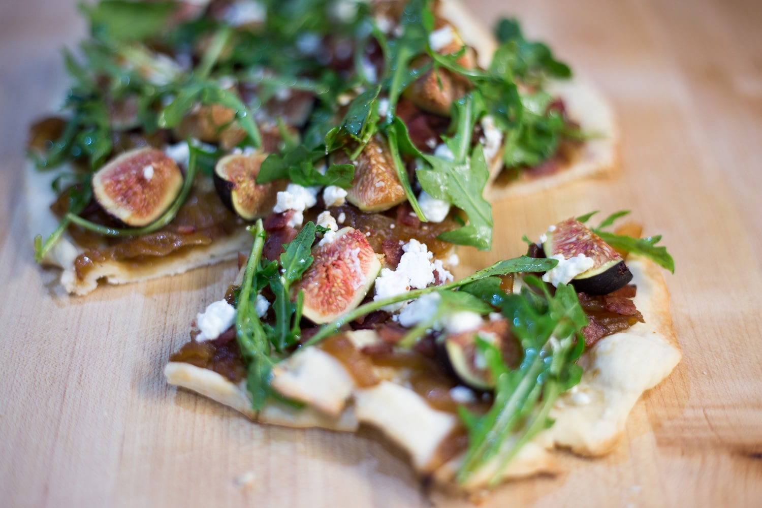 Figs will only be around for a short time. How about a fig flatbread! I love figs and I love flatbreads, so why not put the two together? |artzyfoodie.com|