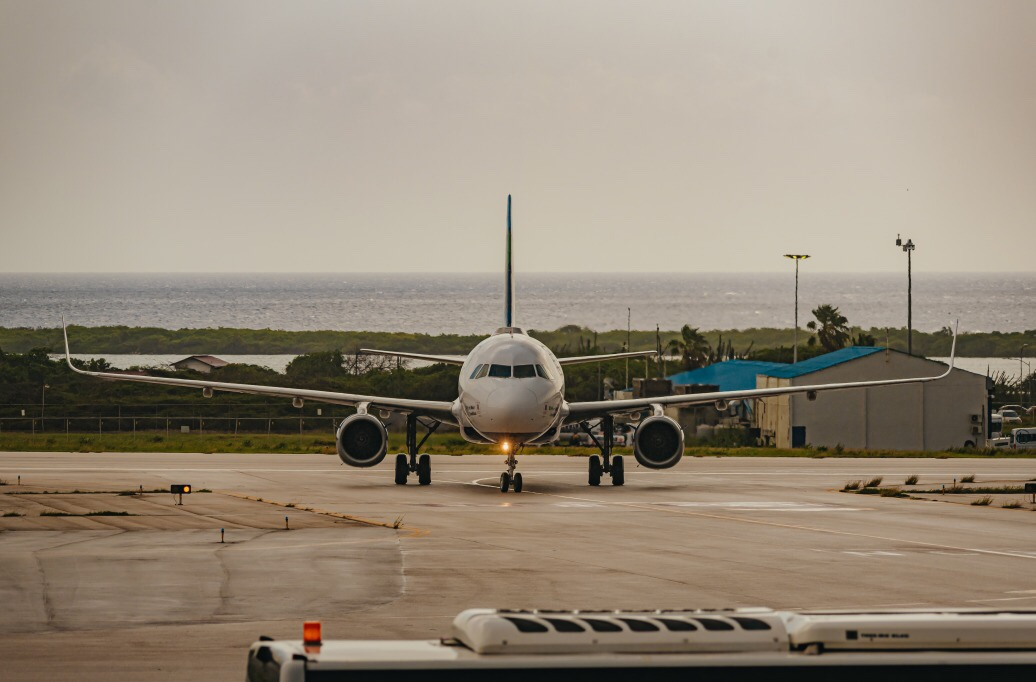 A recovery of 32% of departing passengers in November 2020 but stays 35% behind forecast