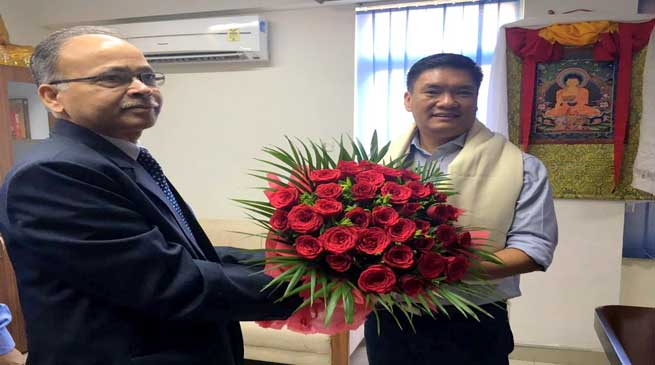 Khandu met with Country's Premier Business Association in New Delhi