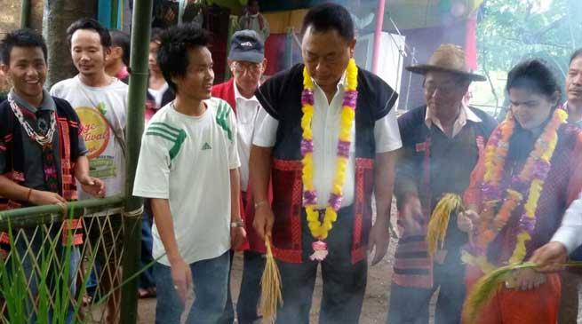 Lok Sabha MP Ninong Ering today joined the celebration of the Keh-Meh-Ha