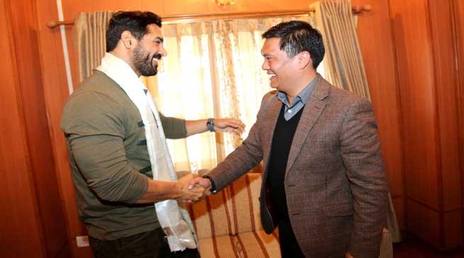 CM Khandu accords warm welcome to John Abraham