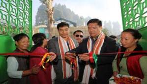 Khandu inaugurates weavers' emporium at Ziro