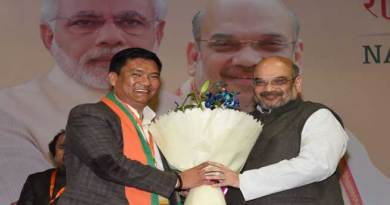 National Executive welcomes Pema Khandu into BJP Parivar