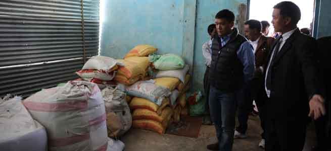 Khandu voluntarily donates 7 lakhs for Wakka Fire victims