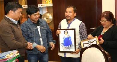 Khandu Lauded the bravery of Late Tarh Peeju