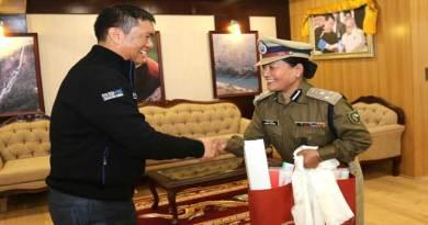 Arunachal- CM Pema Khandu meets DIG Sonam Yudron