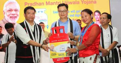 Khandu, Rijju jointly launches Pradhan Mantri Ujjwala Yojana for Arunachal